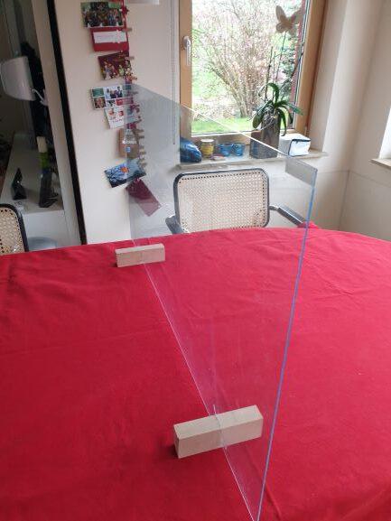 einfache Bauanleitung für eine Plexiglasscheibe